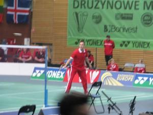 badminton Peter Gade podczas rozgrzewki na korcie Areny Ursynów