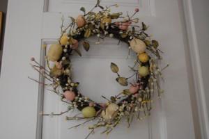 Wielkanocny stroik na drzwi