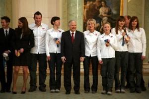 Prezydent RP L.Kaczyński i medaliści IO Vancouver 2010, fot.PKOL/M.Chojnowski KPRP