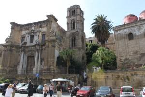 Z lewej La Martonara, z prawej San Cataldo