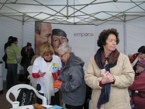 Piknik w Ogrodzie Saskim, Ciotka Pleciuga w rozmwie z wolontariuszką