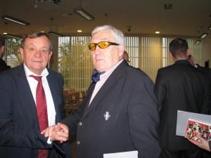 spotkanie po latach od lewej Henryk Owsiejew, Andrzej Szalewicz