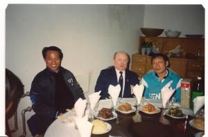 Jerzy Szuliński w Chinach z trenerami ośrodka kadry prowincji Nanjing