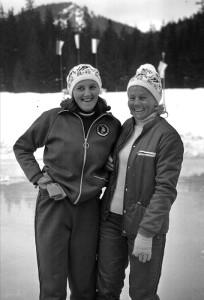 Erwina Ryś Ferens (z lewej i Elwira Seroczyńska 1974 r tor w Zakopanem