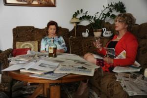"""serial """"Ranczo"""" w roli żony wójta Haliny Kozioł-Violetta Arlak, w roli księgowej Leokadii Czerepach- Magdalena Kuta zdj. ze strony """"Rancza"""""""