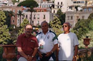 Uniwersjada na Sycylii (1997) Zbigniew Sikora  z prof. Ryszardem Żukowskim (AWF Warszawa) i prof. Zbigniewem Mroczyńskim (AWF Gdańsk)