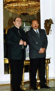 Podczas uroczystości w Pałacu Prezydenckim (2000)– Zbigniew Sikora wiceprezes ZG AZS, Zbigniew Pacelt Dyrektor Departamentu Sportu