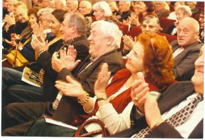 Publiczność, w Muzeum Niepodległości oklaskuje autora