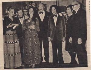MIDEM 72 Zdzisława Sośnicka ,w otoczeniu kolegów z Francji i Indonezji , pierwszy z prawej Władysław Jakubowski