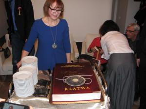 Tort w kształcie książki