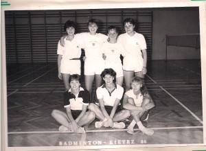 zgrupowanie w Kietrzu 1986 stoją Marzena Masiuk, Zosia Żółtańska, Małgda Kozak,  Katarzyna Krasowska, siedzą od lewej Basia Zimny, Bożena Siemieniec, Ewa Rusznica