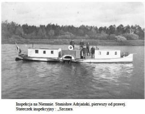 """Stanisław Adrjanski pierwszy z prawej na statku """"Szczara"""""""